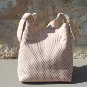 Petit sac nude en Nubuck forme sac seau par Bonnie and Bag