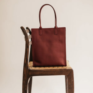 Petit sac haut en cuir Bordeaux Compagnon par Bonnie and Bag
