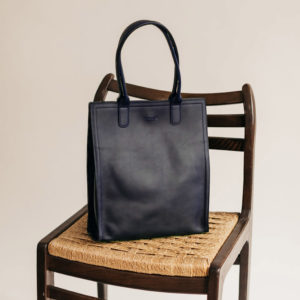 Grand sac haut cuir Bleu Marine Compagnon par Bonnie and Bag